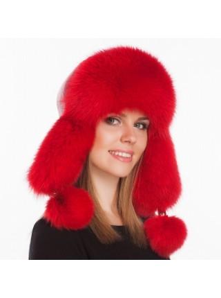 Меховая шапка красного цвета